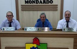 VEREADOR ADEMILSON LUIZ PRESIDE SESSÃO